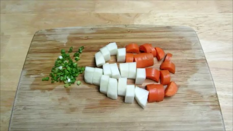 boiled daikon with savory sauce step (1)